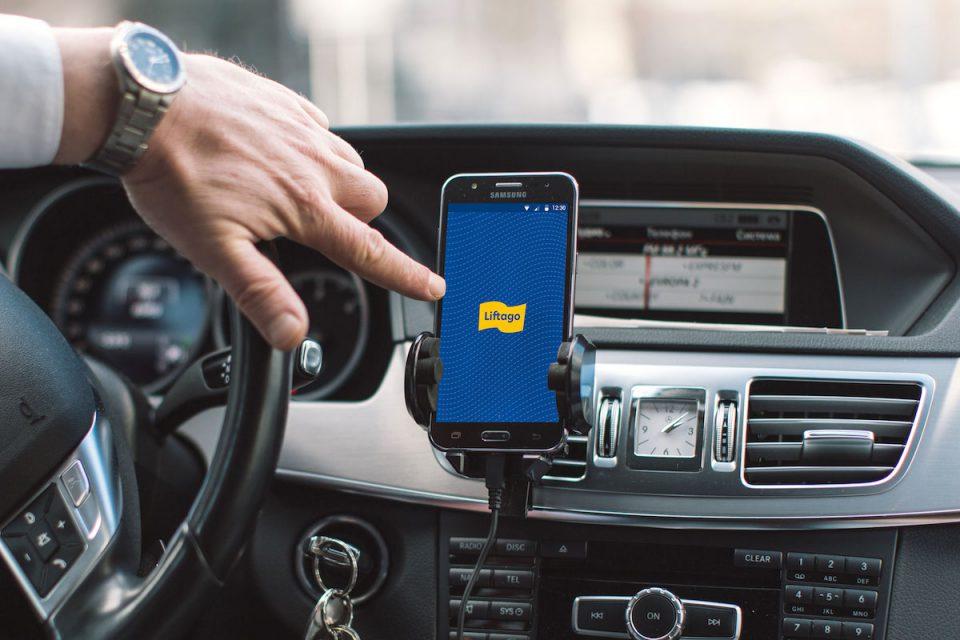 Taxi v mobilu Liftago se letos zaměří na firmy