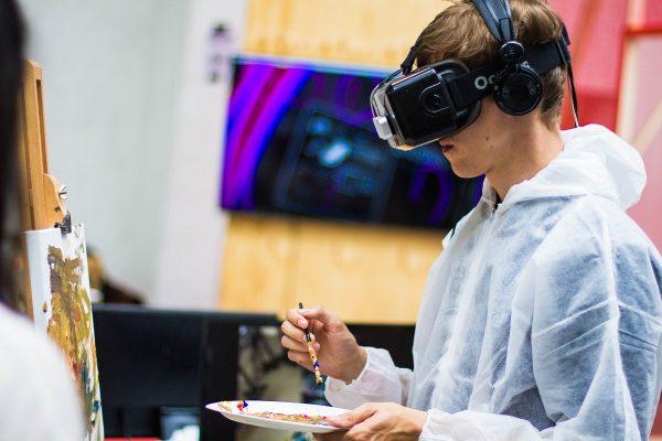 Virtuální realita není jen pro hry, pomáhá lékařům, ve vědě i při nakupování