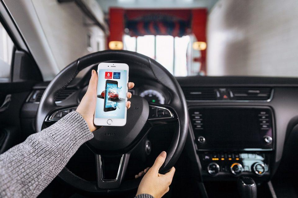 Aplikace Mycí digi linka od Benziny eliminuje čekání u myček aut