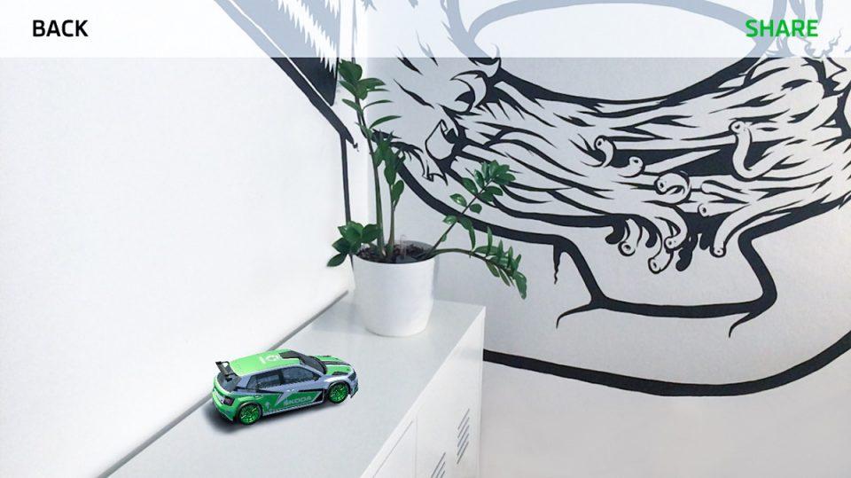Model vozu může být v reálné velikosti nebo zmenšený