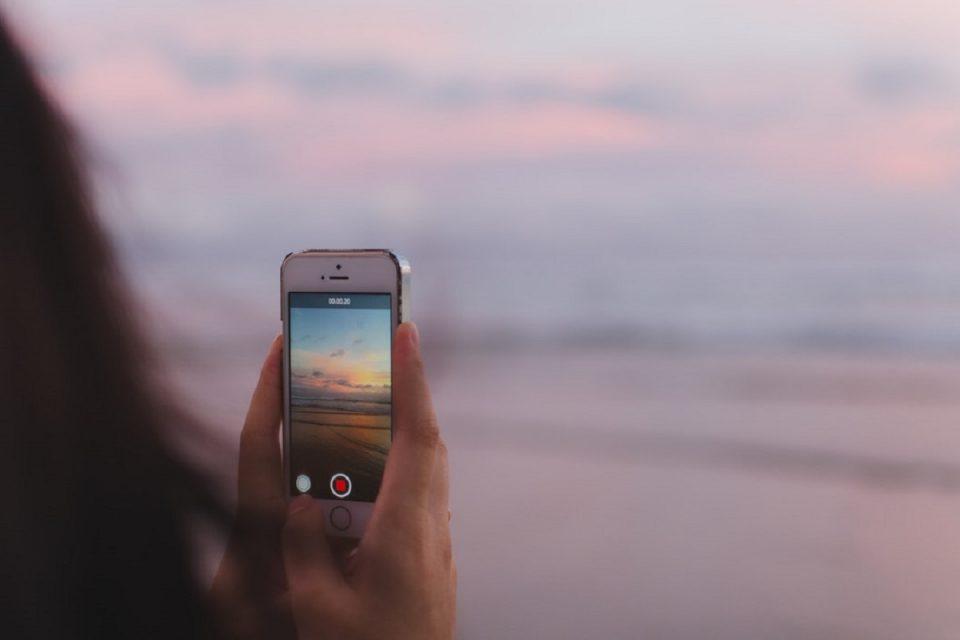 Instagram umožnil sdílení přes externí aplikace, brzy spustí videochat